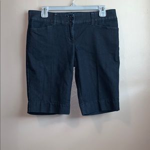 The limited dark wash denim Bermuda size 6
